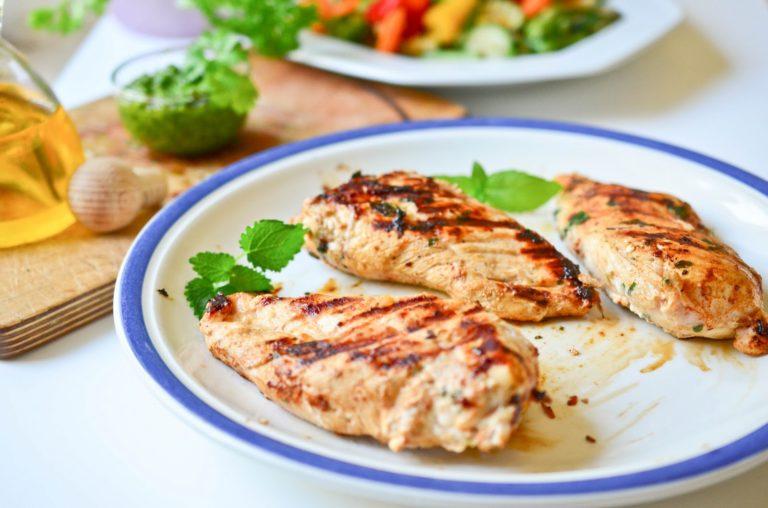 Kwestia smaku kurczak – przepis jak zrobić idealnego kurczaka?