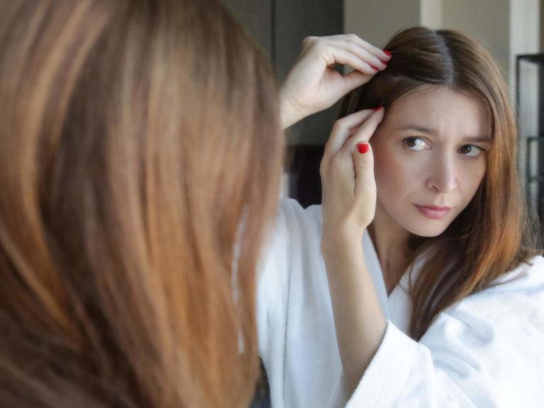 Kaszak na głowie – jego leczenie i objawy
