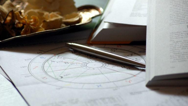 Czym wyróżnia się horoskop indiański?