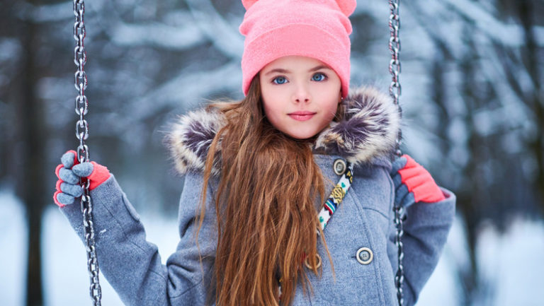 Bluzeczki dla dziewczynki – na co należy zwrócić uwagę przy ich zakupie?