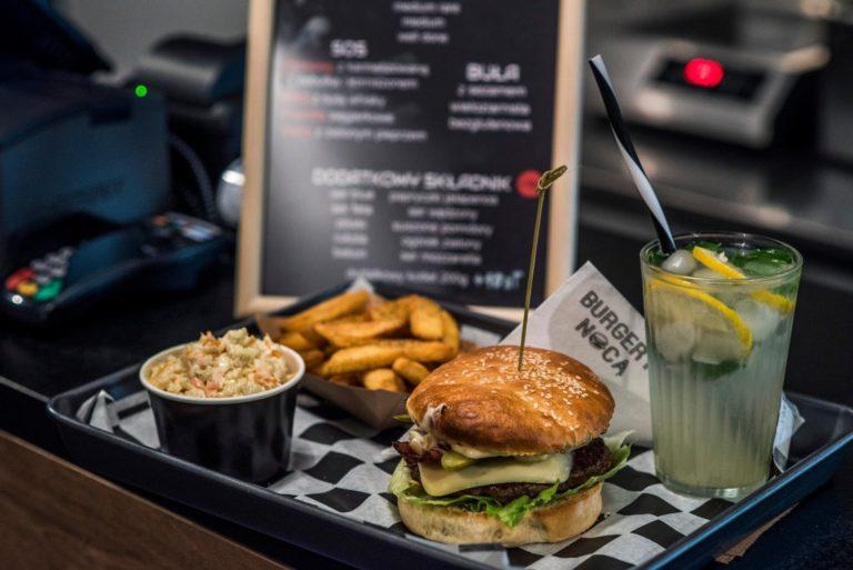 Burgery Warszawa – po czym poznamy najlepsze?